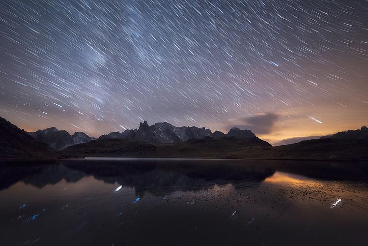 Pluie d'étoiles sur le lac long