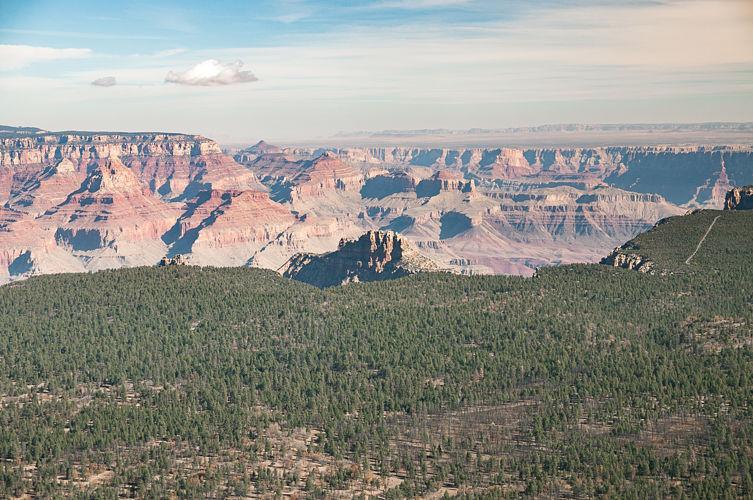 Grand Canyon à l'horizon