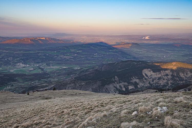 L'ombre du sommet sur la vallée