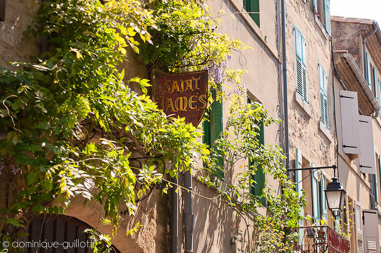 Rue Saint James