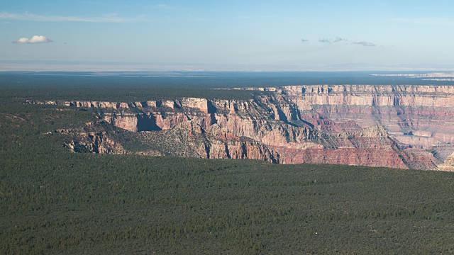 Au bord du Grand Canyon ...